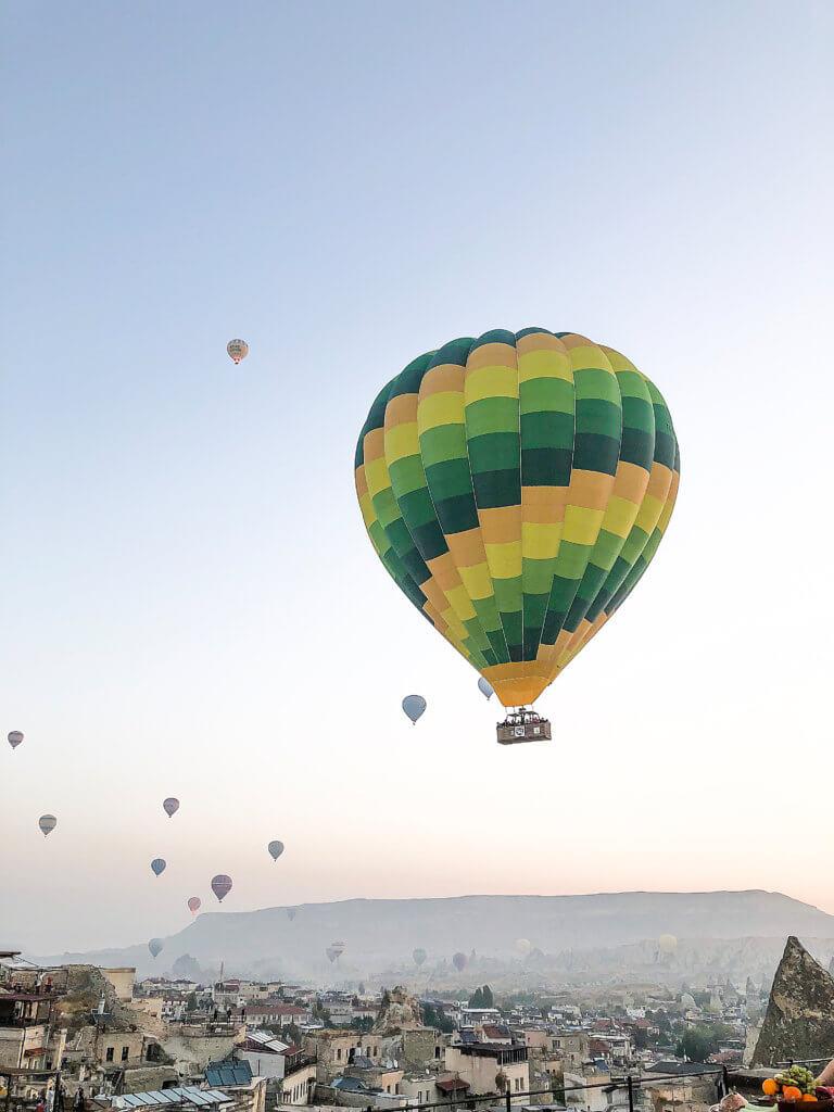 Heißluftballon über Göreme Kappadokien