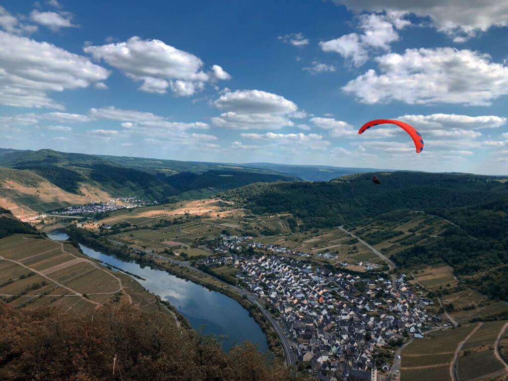 Unser Roadtrip an die Mosel im Juni: Moselschleife Bremm Aussicht