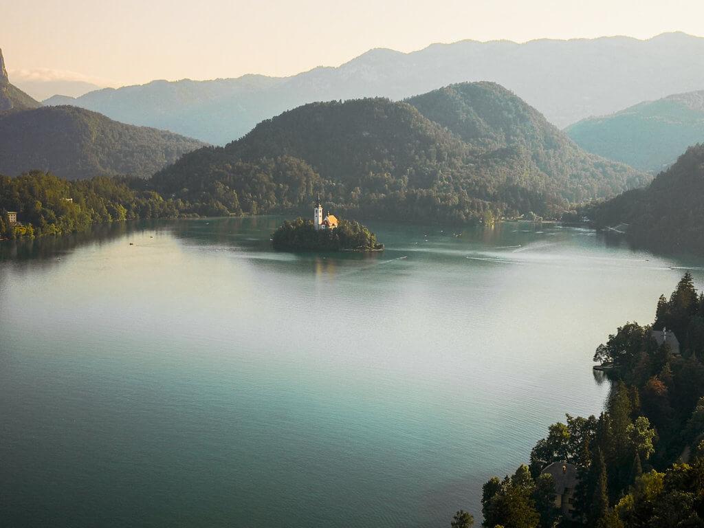 Reise nach Slowenien: Ein Roadtrip voller Abenteuer. Bled Lake